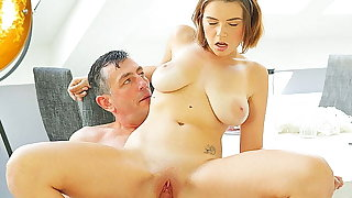 OLD4K. Dad knew the best way to relax cute girlfriend with..